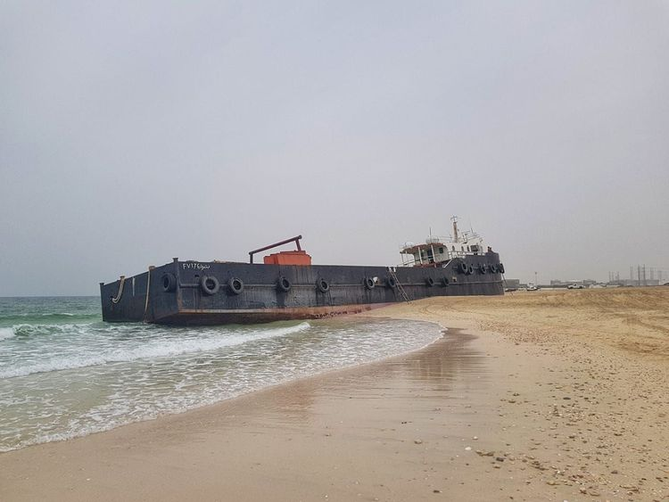 3 vessels run aground amid high waves in Sharjah, Ajman