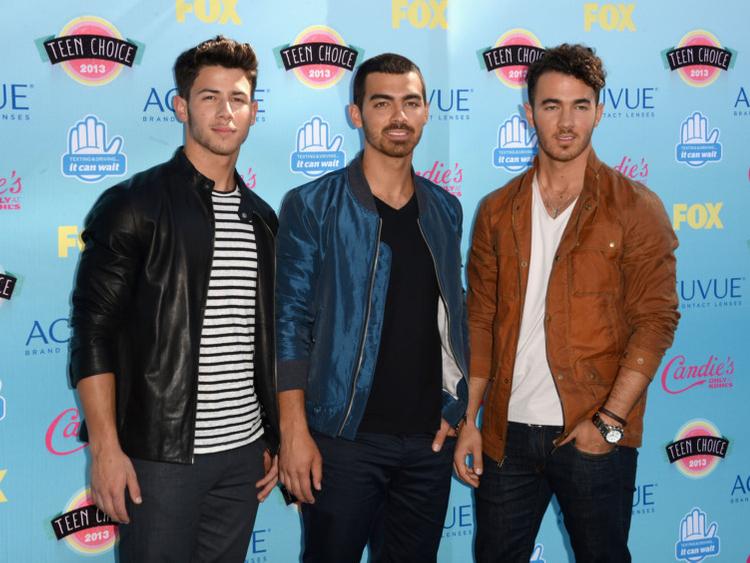 tab-Jonas-Brothers-1551512944366