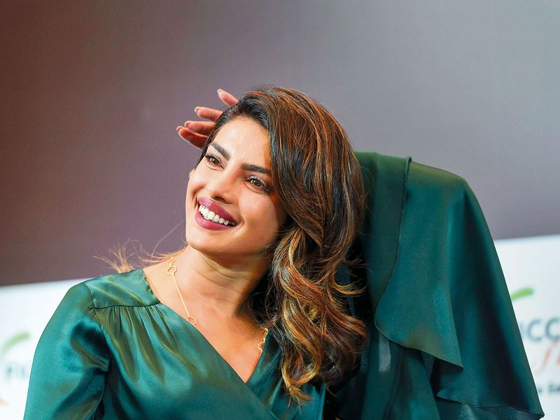 tab--Priyanka-Chopra-(2)-(Read-Only)
