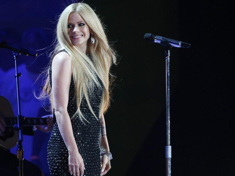 tab_-Avril-Lavigne-1551950318212