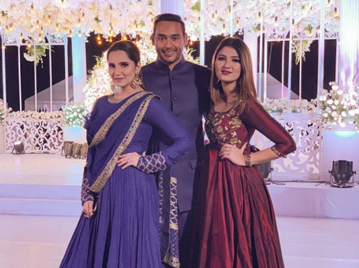 tab-Sania-Mirza-with-Asad-and-Anam-instagram-1552119161418
