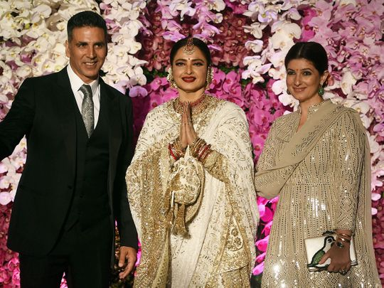 190310 Rekha at Ambani wedding