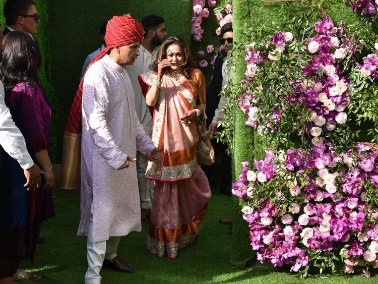 Copy-of-tab-Ambani-wedding26-1552195838187