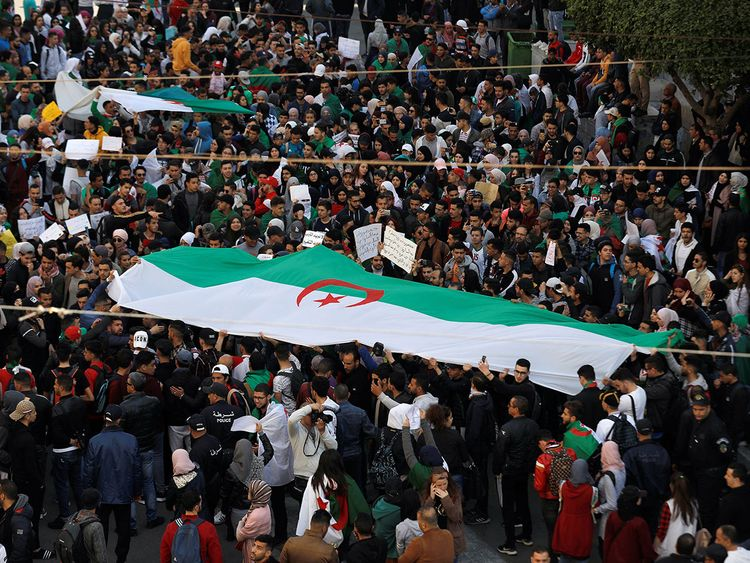 2019-03-12T115550Z_1120885538_RC1E13EE3E50_RTRMADP_3_ALGERIA-PROTESTS-(Read-Only)