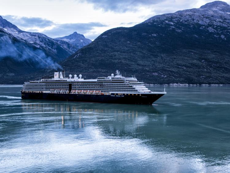 tab-Cruising-in-Alaska--iStock-487627112-1552395558711