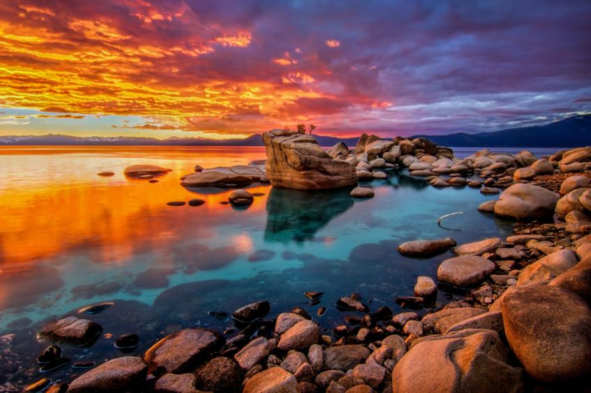 tab-Lake-Tahoe-California--iStock-511675552-1552395554506