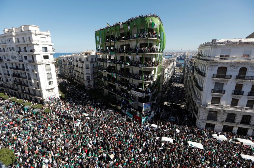 Algeria-protests.-1552804107207
