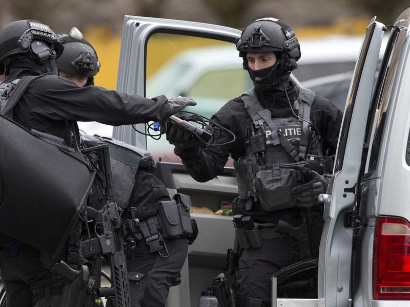Dutch counter terrorism police 02
