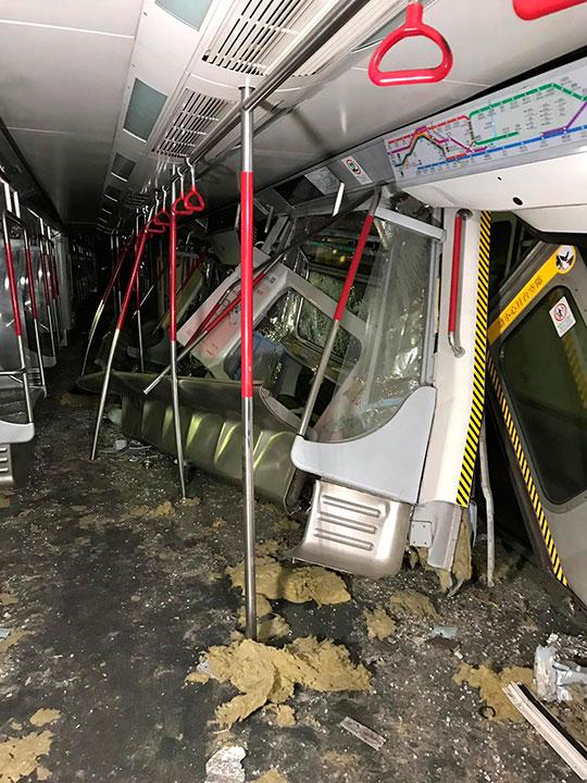 MTR train 2