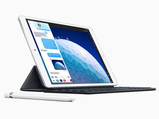New-iPad-Air-smart-keyboard-with-apple-pencil