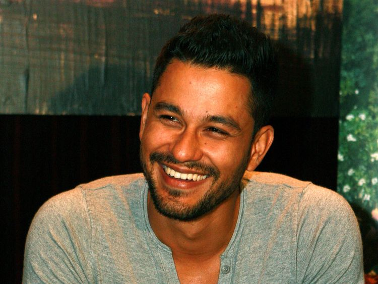 Kunal Khemu Raps Coronavirus Precautions In Multiple Languages Bollywood Gulf News