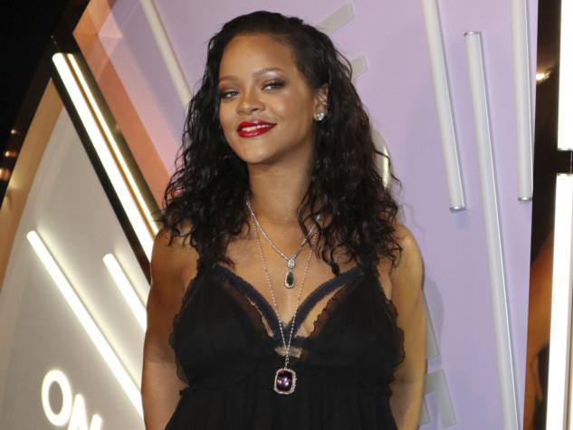 tab--People_Rihanna_26062.jpg-7de56-1553151129195