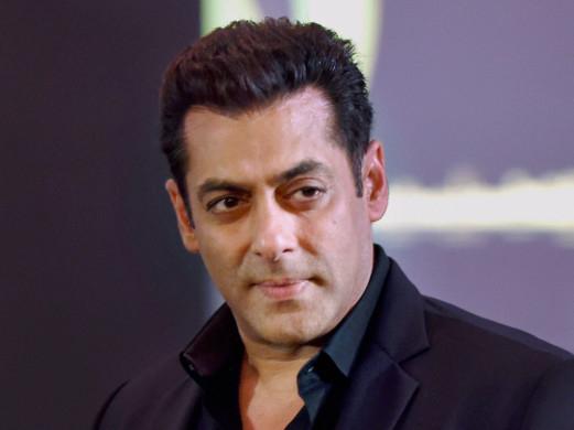 Hot-Salman-Khan-1553244107395