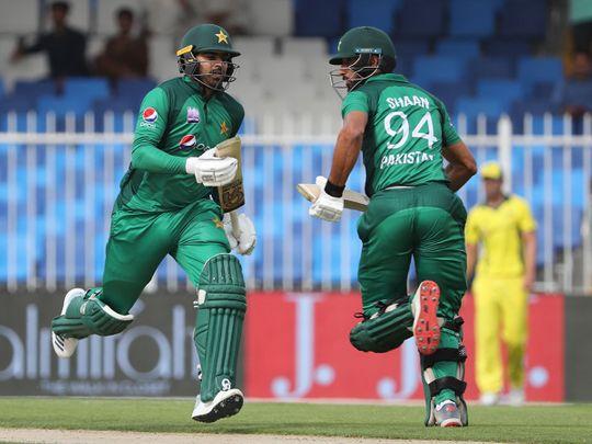 Pakistan's Shan Masood (R) and Haris Sohail