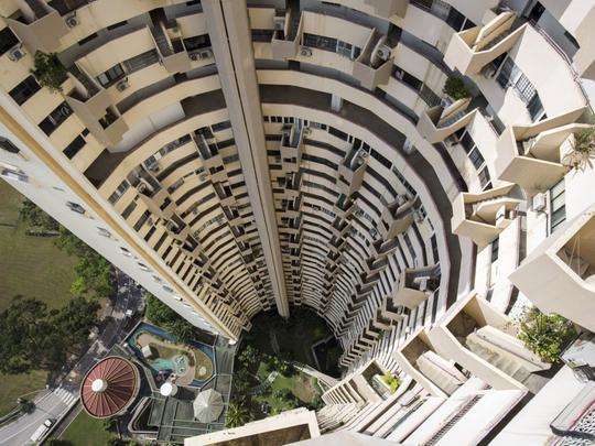 SINGAPORE_BRUTALIST_ARCHITECTURE_7-3-1553686507197