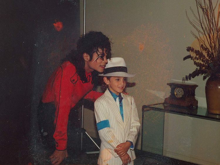 tab-Michael-Jackson-and-Wade-Robson-in-Leaving-Neverland-(2019)-1553766507215