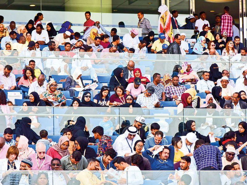 190330 spectators