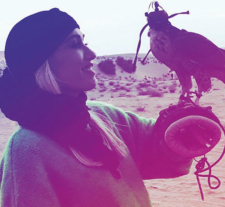Gwen Stefani bonds with the wildlife in the UAE desert