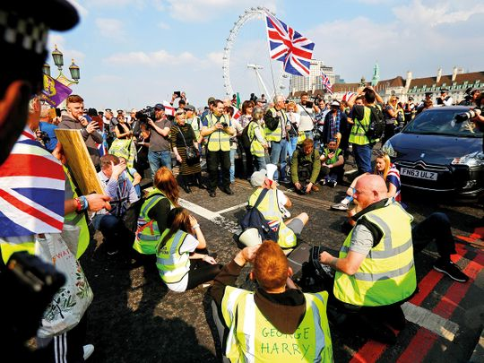 Pro-Brexit yellow vest protesters