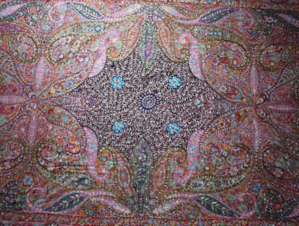 WIN_190322-hand-embroidered_NILIMA5-1554119627802