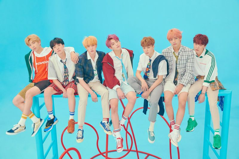 tab_BTS---L-to-R---RM,-J-Hope,-Jin,-Jungkook,-Jimin,-V-and-Suga-1554108991991