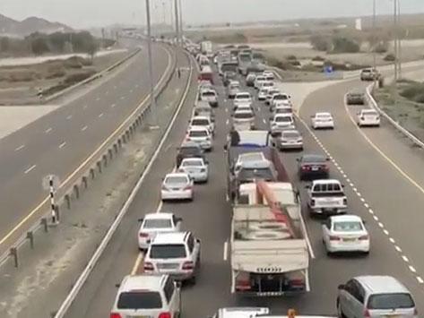 Traffic congestion on UAE-Oman border