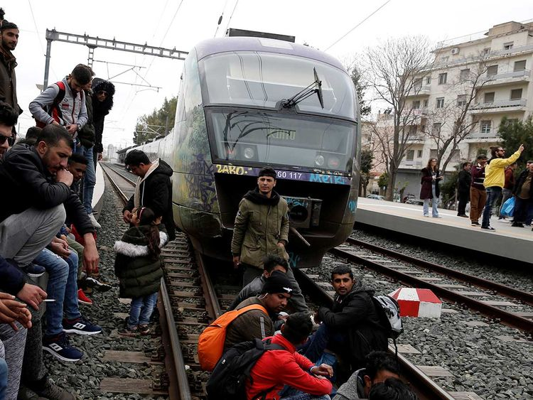 2019-04-05T112436Z_1964021915_RC1B830221A0_RTRMADP_3_EUROPE-MIGRANTS-GREECE-BORDER-(Read-Only)