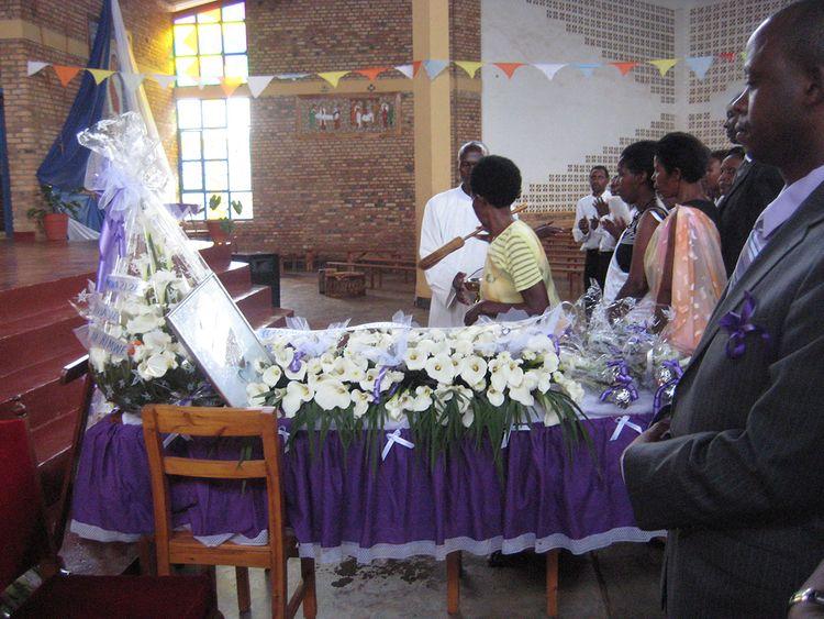190407 rwanda burial 2