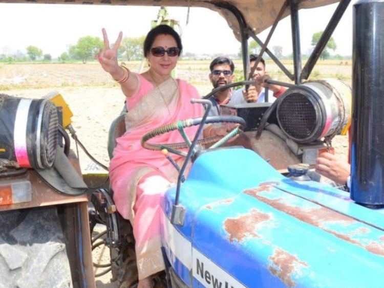 Indian Actress And Politician Hema Malini Gets Trolled For Posing As Farmer India Gulf News
