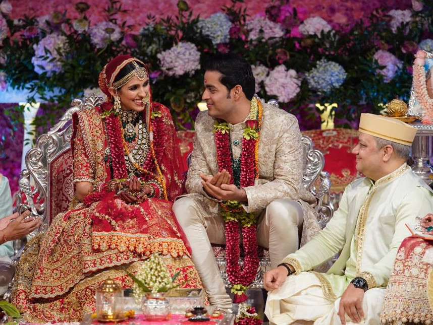 tab-Akash-Ambani-and-Shloka-Metha-wedding-1554731070982