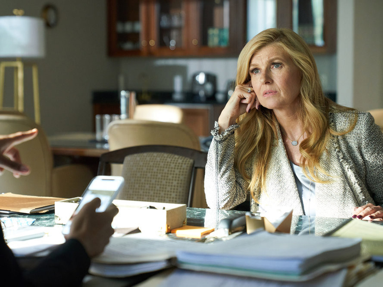 Connie-Britton-in-Dirty-John-1555143866715