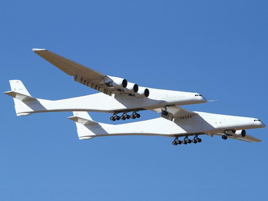 Stratolaunch, a giant six-engine aircraft