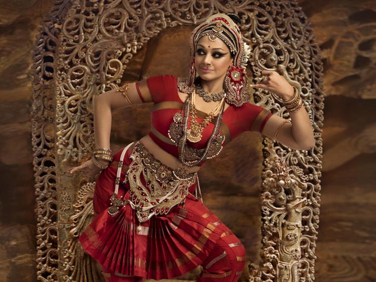 Shobana-dance-Bforce---27.07.18.147-1-copy-1555320440733