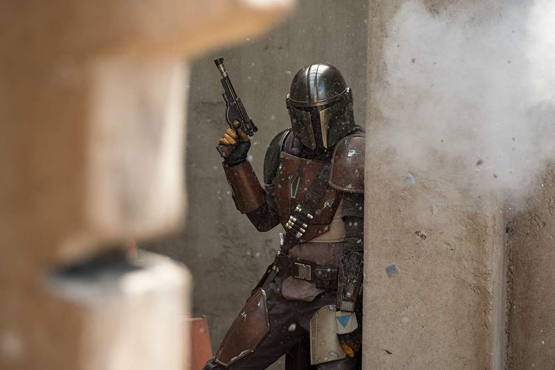 tab-Pedro-Pascal-in-The-Mandalorian-1555308137911