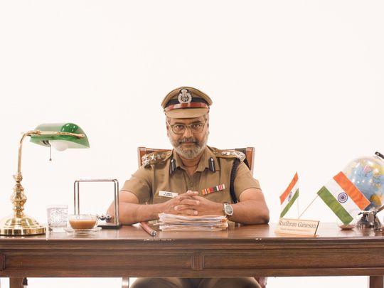 Comedian-Vivek-in-Vellai-Pookal-1555479900968