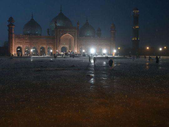 heavy rain in Lahore