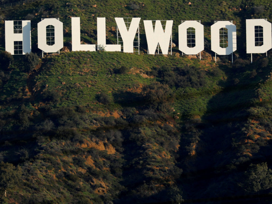 tab-Hollywood-sign-1555567681185