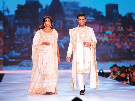 tab-Shweta-Bachchan-and-Karan-Johar_Abu-Jani-Sandeep-Khosla-show-(Read-Only)