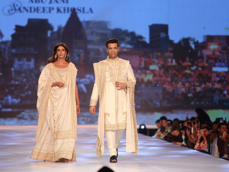 tab-Shweta-Bachchan-and-Karan-Johar_Abu-Jani-Sandeep-Khosla-show-1555573619769