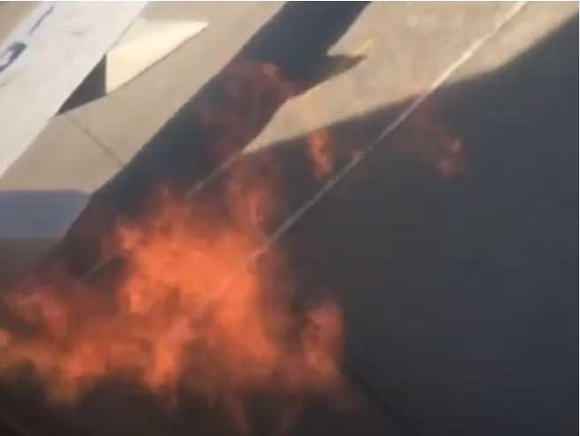 B737 engine flames
