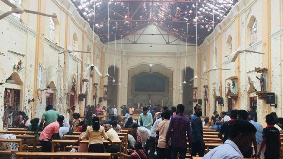 Blasts hit churches Sri Lanka 01