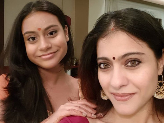 tab-Kajol-with-daughter-Nysa-instagram-1555834935600