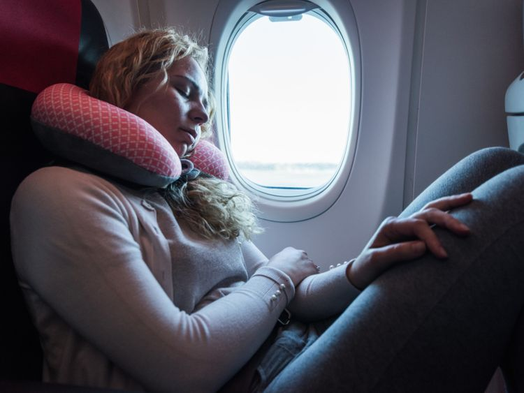 OPN_190423_travel_neck_pillow-1556023098139