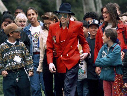 tab_Leaving_Neverland__Michael_Jackson_Documentary_-1556001586526