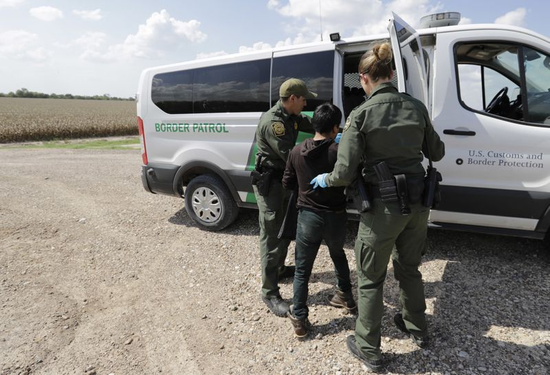 Copy_of_Immigration_Separating_Families_90675.jpg-256aa~1-1556103296344