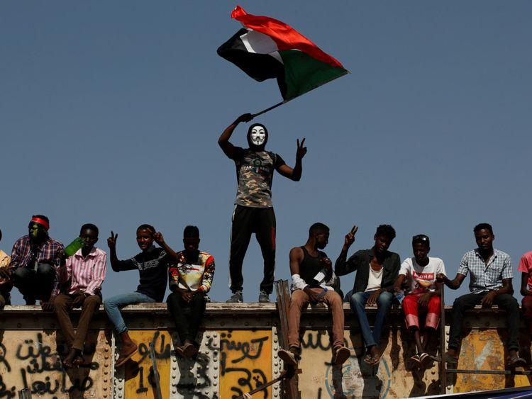 Sudan_protest-1556192389062