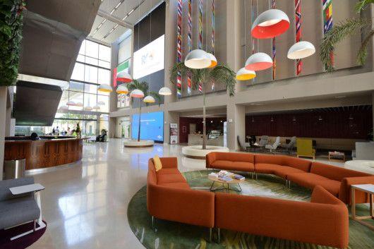 NAT_190430_Dubai_American_Academy__DAA_Facilities_-_entrance_hall-1556618478874