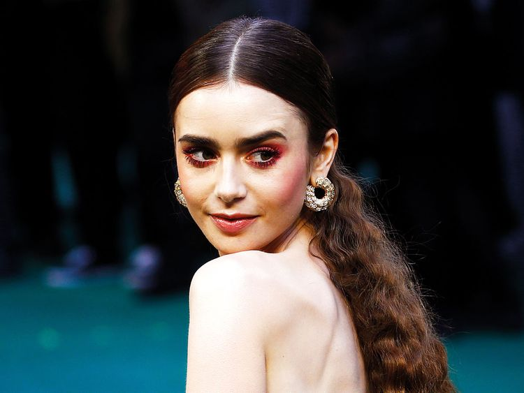 lily collins - photo #17