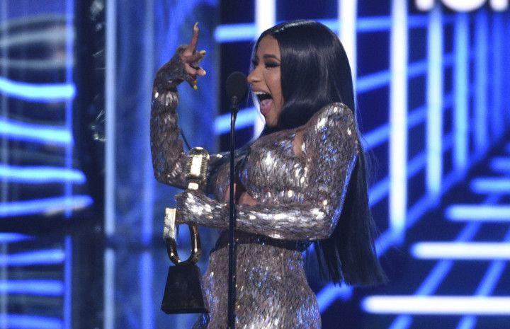 tab_Cardi_B_Billboard_Music_Awards-1556776584096