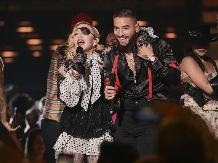 tab_Madonna_with_Maluma_AWARDS-BILLBOARD1-1556776560982